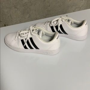 Adidas Shoes Sz 6.5